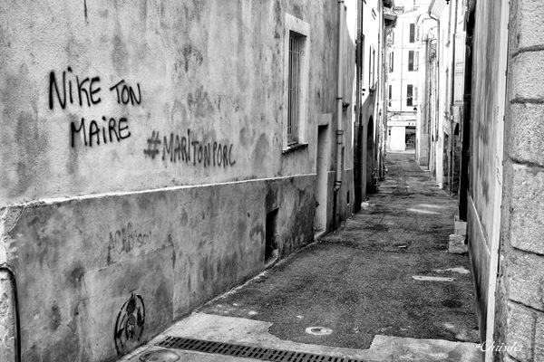 Chrisder-entre ou sur les murs_1